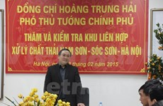 Deputy PM inspects waste treatment in Hanoi