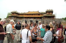 Localities host large number of tourists during Tet