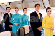 National carrier Vietnam Airlines unveils new staff uniform