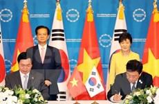 Vietnam and RoK initial bilateral FTA