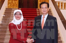 Leaders receive Singapore parliament speaker