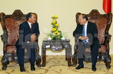 Deputy PM Phuc receives Lao Minister of Home Affairs