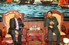 Defence Minister greets Philippine guest