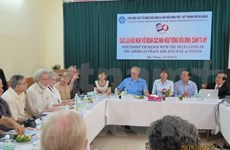 US peace activists visit Da Nang city