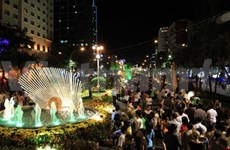 HCM City puts security cameras along popular walking street