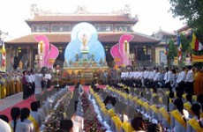 VFF leader congratulates Buddhists for role in national development