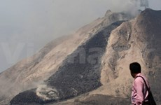 Indonesia: Thousands evacuated after volcano alert rise