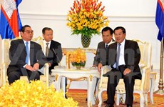 Vietnam vows to forge stronger ties with Cambodia