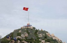 Construction of flag pole begins on Phu Quy Island