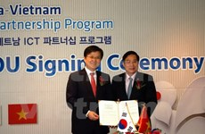 Vietnam, RoK sign agreements on science-technology cooperation