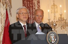 US administration hosts banquet for Party leader