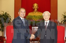 Party chief receives Lao senior officials