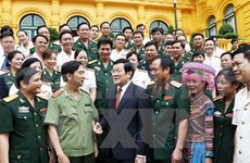 President Sang meets outstanding trade union members