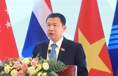 Vietnam attends APF executive board's annual meeting