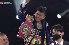 Female boxer wins first WBO world belt for Vietnam