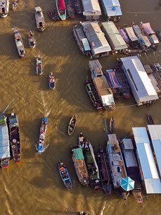 Cultural preservation and tourism development of Cai Rang floating market