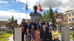 NA Vice Chairman meets Vietnamese community in Madagascar
