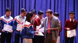 Vallet scholarships presented to students in central region