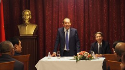 Deputy PM meets with Vietnamese expats in Bulgaria