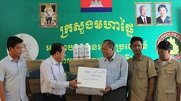 Foot-and-mouth disease vaccines provided for Cambodian province