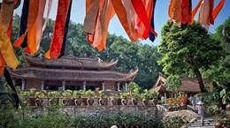 Get lost in the fairyland in Dia Tang Phi Lai pagoda