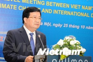 [Video] Vietnam holds climate change dialogue with partners