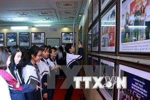 Hoang Sa, Truong Sa exhibition comes to Vinh Long