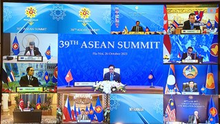 Prime Minister attends 39th ASEAN Summit