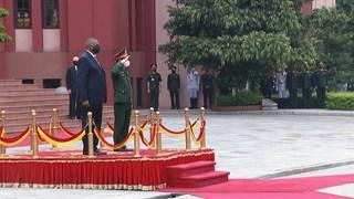Vietnam, US enhance defence ties