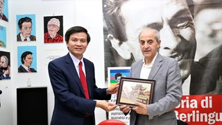 Vietnam, Italy communist Parties strengthen relations