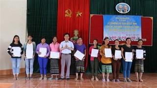 Vietnamese citizenship granted to 350 border residents