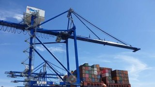 PM gives greenlight to investment in Hai Phong container terminals