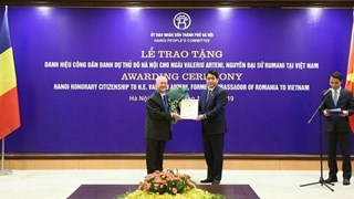 HN presents honorary citizenship title to former Romanian Ambassador