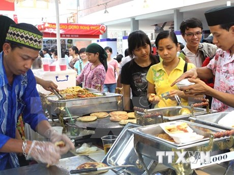 Food festival welcomes ASEAN Community formation