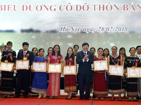 Kon Tum midwife changes minds, saves lives