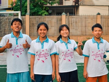 Vietnamese children join FIFA football festival in Moscow