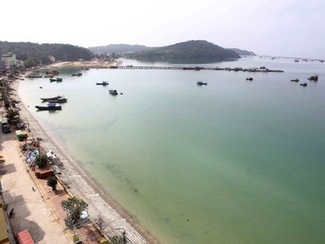 Quang Ninh: Power on Co To island district restored