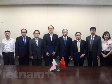 Vietnam, Japan sign cooperation deal on orderly training
