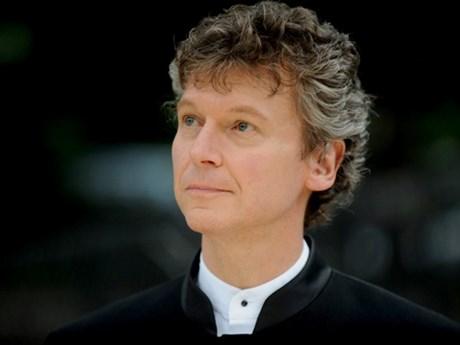 "US conductor leads ""Scheherazade Concert"" in HCM City"