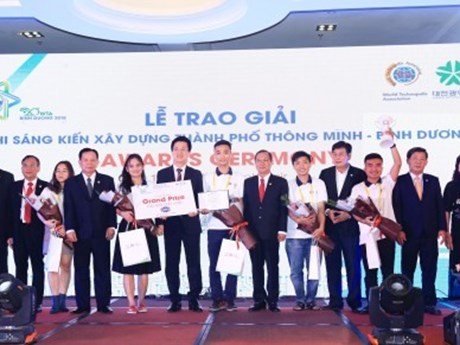 Vietnamese team wins int'l smart city initiative competition