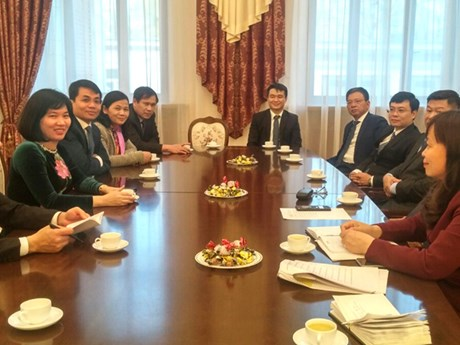 Hanoi enhances relations with capital cities of Russia, Czech Republic