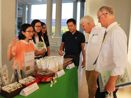 Vietnam boosts cooperation in organic agriculture with Australia