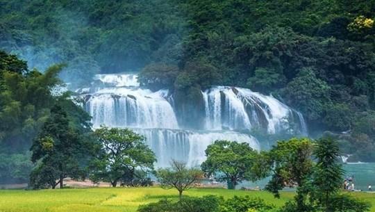 Ban Gioc waterfall festival kicks off in Cao Bang