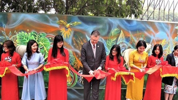 Mural painting to raise awareness of environment inaugurated in Hanoi