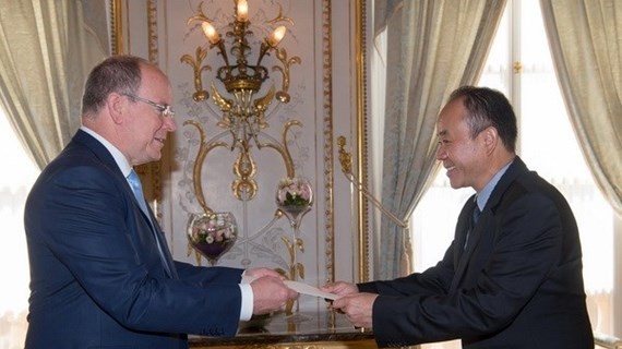 Vietnamese ambassador to Monaco presents credentials