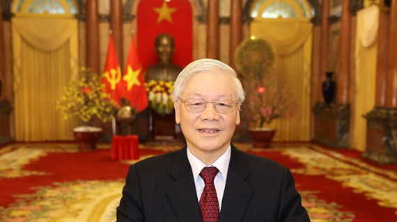 Top leader offers Tet greetings