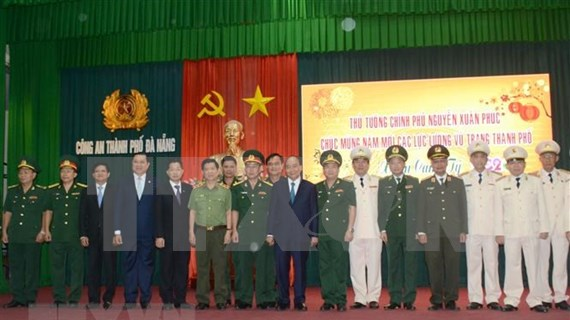Prime Minister Nguyen Xuan Phuc makes New Year visit to Da Nang