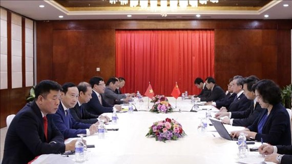 Deputy PM, FM meets with Chinese, Lao foreign ministers