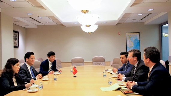 US firms eye stronger investment cooperation in Vietnam