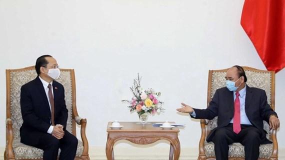 PM Nguyen Xuan Phuc receives new Cambodian Ambassador